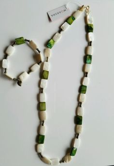 New-MOAKSHA-Fashion-Jewelry-Green-White-Flat-Beads-Necklace-Bracelet-Set