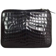 Preowned Hermes Black Crocodile Zip Around Agenda Cover Phw (3.244.425 COP) ❤ liked on Polyvore featuring bags, black, fold over bag, crocs bag, pre owned bags, leather bags and leather zipper bag