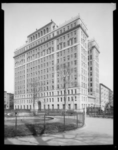 Museum of the City of New York - Beth Israel Hospital, St. and Stuyvesant Square, April 1929 Beth Israel Hospital, New York City Buildings, New York City Manhattan, New York Pictures, Vintage New York, Union Square, April 11, Jersey City, Historical Photos