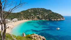 Cala San Vicente beach in the very northern tip of Ibiza has beautiful turquoise waters Ibiza All Inclusive, Inclusive Holidays, Ibiza Holidays, Spain Holidays, Sierra Nevada, Beach Club, Ibiza Strand, Places To Travel, Places To Visit