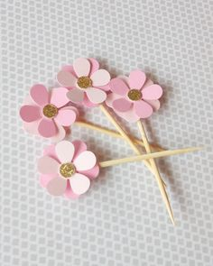 Featured ETSY Products & Bridal Shower Ideas & Themes Pink & Gold flower cupcake toppers & Pink and gold party decorations & Bridal Shower Decorations & Baby cupcake toppers Baby Cupcake Toppers, Baby Shower Cupcakes, Shower Cake, Shower Favors, Pink Gold Party, Pink And Gold Wedding, Pink And Gold Decorations, Pink Und Gold, Diy And Crafts