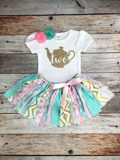 Tea Party Second Birthday Outfit with Headband, Mint Pink Gold Tea Party Second Birthday Outfit, Pin Tea Party Zweites Geburtstagsoutfit mit Stirnband Mint Pink Gold Tea Party Outfits, Birthday Party Outfits, Birthday Shirts, 2nd Birthday Party Themes, Tea Party Birthday, Birthday Ideas, 4th Birthday, Birthday Outfit For Women, Fabric Tutu