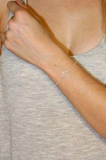 Découvrez des idées cadeaux bijoux femme à petit prix