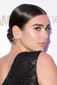 Dua Lipa's Hairstyles & Hair Colors | Steal Her Style