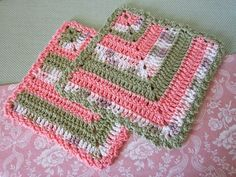 Miss Abigail's Hope Chest: Peachy/Green Kitchen Set Crochet Kitchen, Crochet Home, Crochet Gifts, Granny Square Crochet Pattern, Crochet Squares, Crochet Patterns, Crochet Potholders, Crochet Dishcloths, Crochet Coffee Cozy
