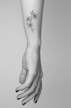 Les tatouages sont le reflet d'un évènement, d'un trait de caractère, parfois même de véritables accessoires de mode. Coloré, monochrome,…