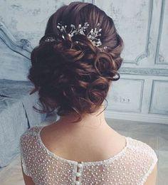 Tonya Pushkareva Long Wedding Hairstyle for Bridal via tonyastylist / http://www.himisspuff.com/long-wedding-hairstyle-ideas-from-tonya-pushkareva/26/