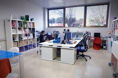 Resultados de la Búsqueda de imágenes de Google de http://www.espaciosutil.com/esp/proyectos/27-estudio-diseno-grafico-graphic-design-studio.jpg