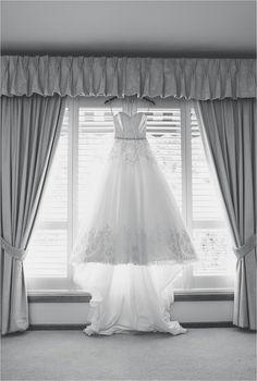 Wedding dress photography. Adelaide, brides, black and white. gpix.com.au