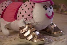 Para as gatinhas mais estilosas *_* http://www.htinhos.com.br/produto/sneakers-infantil-3-velcros.html