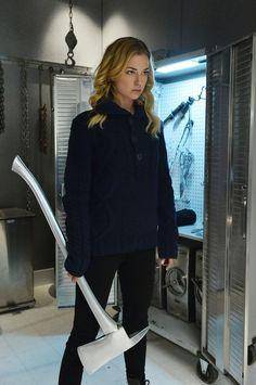 Revenge - Emily Thorne love love love this show!