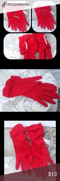 Red Hot Dazzling VTG Gloves Beautiful Red gloves elastic on other inside hands excellent condition, Vintage Accessories Gloves & Mittens