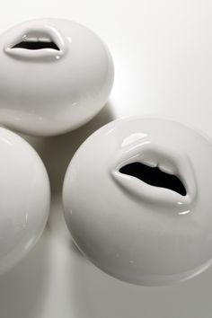 10 Cheap And Easy Tricks: Concrete Vases Decor vases painting watercolor. Vase Centerpieces, Vases Decor, Ceramic Clay, Ceramic Vase, Pottery Vase, Ceramic Pottery, Green Vase, Blue Vases, Gold Vases