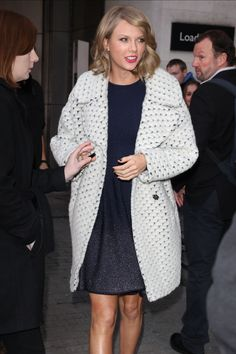 Taylor Swift managed to rock not one, but TWO high street coats in the same day... http://lookm.ag/GwBl3g