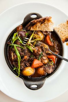 foodiebooty:  Beef Bourguigon with recipe (link)