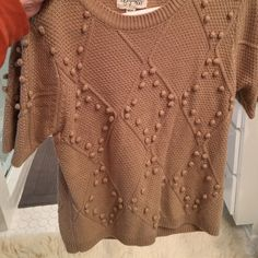 Short sleeved sweater Forever 21 sweater. Tan. Great weight for layering and transitioning to spring! Great condition. Really cute over a collared shirt Forever 21 Sweaters