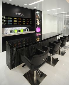 INOA Color Bar by Azur Salon, via Flickr