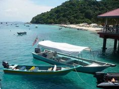Perhentian Islands - Top 10 Laid-back Islands without Cars http://www.traveloompa.com/top-10-laid-back-islands-without-cars/