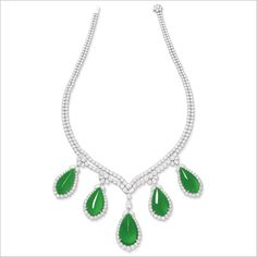 IMPRESSIVE SET OF JADEITE NECKLACE AND PAIR OF EARRINGS HK$25,000,000 - 36,000,000 US$3,250,000 - 4,650,000 Real Diamond Necklace, Jade Necklace, Jade Jewelry, Emerald Jewelry, Emerald Gemstone, Jewelry Art, Diamond Jewelry, Turquoise Necklace, Vintage Jewelry