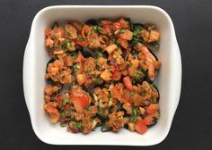 Grilled mussels with chilli flavoured oil and balsamic vinegar with mango Grilled Mussels, Flavored Oils, Balsamic Vinegar, Grilling Recipes, Fried Rice, Fries, Bbq, Mango, Ethnic Recipes