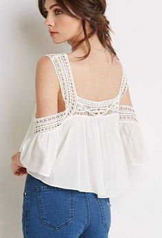 Forever 21 is the authority on fashion & the go-to retailer for the latest trends, styles & the hottest deals. Shop dresses, tops, tees, leggings & more! Casual Chic Outfits, Abaya Fashion, Boho Fashion, Fashion Outfits, Cropped Tops, Crochet Clothes, Diy Clothes, Bohemian Mode, Loose Fitting Tops