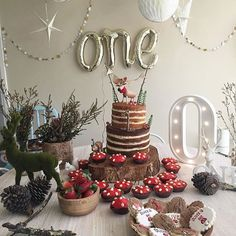 It's a woodlands themed celebration for little Oliver's first birthday! Love the set up @cupofjasmine_tea our ONE script balloon looks great, thanks for the tag x #regram #birthdayparty #yay