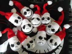 Nightmare Before Christmas Jack Skellington Santa baubles Xmas tree deco Nightmare Before Christmas Ornaments, Nightmare Before Christmas Wedding, Diy Christmas Ornaments, Christmas Tree Themes, Xmas Tree, Christmas Ideas, Dark Christmas, Halloween Christmas, Christmas 2019