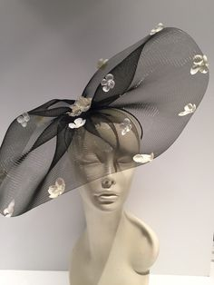 Cheap Women S Fashion Websites Black And White Fascinators, Black Fascinator, Floral Headpiece, Fascinator Hats, Fascinator Hairstyles, Feather Headdress, Turban, Flower Headband Wedding, Royal Clothing