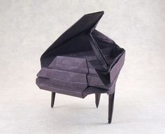 Origami Piano by Patricia Crawford folded by Gilad Aharoni