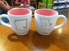 Mugs for best friends going to college in different states #college #DIY