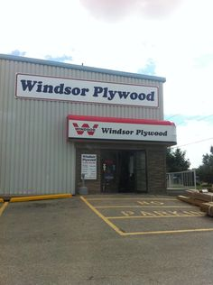 """See 2 photos and 1 tip from 9 visitors to Windsor Plywood. """"They might have a big store, but the staff are very knowledgable and wonderful to deal with. Building Ideas, Building A House, Plywood, Windsor, Four Square, Places, Hardwood Plywood, Build House, Lugares"""