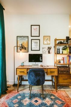 Home Office Essentials For Today's Modern Living ., Home Office Essentials For Today's Modern Living decor. Living Room Designs, Living Room Decor, Bedroom Decor, Wall Decor, Paint Decor, Ikea Bedroom, Desk In Living Room, Bedroom Office, Bookshelf Living Room