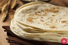 Tortilla Wraps, Arabic Food, Food N, Trifle, Tex Mex, Bread Baking, Crepes, Peanut Butter, Cooking