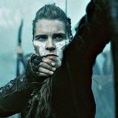 Gunnhild  (@raggaragnars ) Lagertha, Ragnar Lothbrok, Viking Warrior Woman, Viking Age, Warrior Women, Viking Pictures, Sons Of Ragnar, Vikings Tv Show, The Last Kingdom