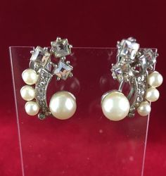 Vintage Silver Tone Pearl White Crystal Cluster Clip On Screw Back Drop Earrings MV576|We combine shipping|No Question Refunds|Bid $60 for free shipping. Starting at $1