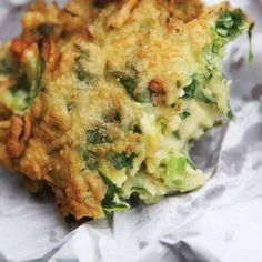 Marrow, pine nut and feta fritters- love tastemag Banting Recipes, Vegetable Recipes, Vegetarian Recipes, Cooking Recipes, Healthy Recipes, Savoury Recipes, Healthy Treats, Delicious Recipes, Healthy Foods