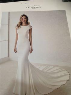 8ef1e94b98dd76 Prachtige trouwjurk van Pronovias bij Bruidsboutique Pani Moda