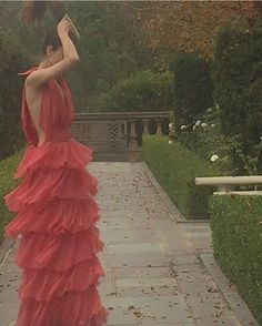 Vogue, Prom Dresses, Formal Dresses, Beautiful Dresses, High Fashion, Ball Gowns, Fashion Photography, Dress Up, Glamour