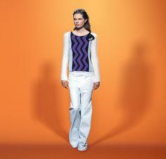 Sonia Rykiel • LOOK#27 • Graphic intarsia sweaterLeatherette pantsBrooch pompon in leather and raffia
