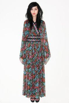 0d7952d3de sublime vintage 1970's Oscar de la Renta by shopcaramiavintage, $950.00  Silk Kimono, Maxi Dress