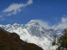Voor de eerste keer zicht op  - Mount Everest  - Sagarmatha (सगरमाथा)  - Chomolungma (ཇོ་མོ་གླང་མ)