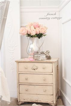 FRENCH COUNTRY COTTAGE: Shabby Little Dresser! Oh how I need this piece in my bedroom!