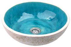 """Das Antik Bad Waschbecken Flora ist von Anfang bis Ende handgemacht. Es wurde aus Keramik von einer polnischen Künstlerin gefertigt. Jedes einzelne Becken hat also seine eigene """"Seele"""".  Das..."""