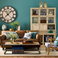Check out our gallery to get Living Room Color Schemes & Paint room paint color ideas bright Living Room Color Schemes & Paint 2020 Bright Living Room, Living Room Colors, Rustic Living Room, Living Room Green, Modern Rustic Living Room, Bold Living Room, Living Room Diy, Living Room Paint, Teal Living Rooms