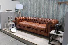 Auf der Suche nach der passenden Couch? Tipps, Tricks und Styleideen, findest Du hier:  http://moebeldeal.com/blog/die-couch-der-mittelpunkt-der-wohnung