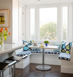 image from http://static.eatwell101.com/wp-content/uploads/2013/05/coastal-inspiration-breakfast-nook-03.jpg
