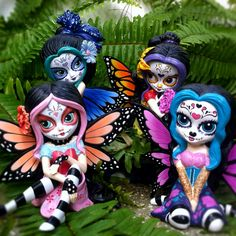 """""""Sugar Skull"""" limited edition figurines by Jasmine Becket-Griffith. Zaria would love these"""