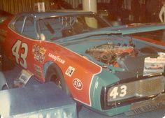Possible Petty Superbird ? Nascar Crash, Nascar Race Cars, Richard Petty, King Richard, Auto Racing, Drag Racing, Kyle Petty, Nascar News, Race Engines