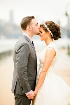 Bride and Groom-kiss