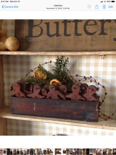 Primitive Country Christmas, Country Christmas Decorations, Christmas Favors, Winter Decorations, Primitive Christmas, Rustic Christmas, Christmas Time, Christmas Crafts, Xmas